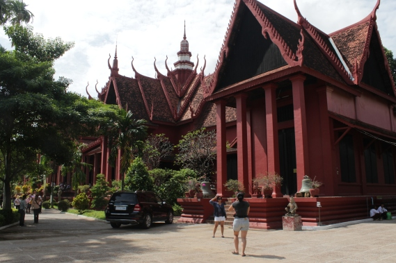 The Khmer-style National Museum.