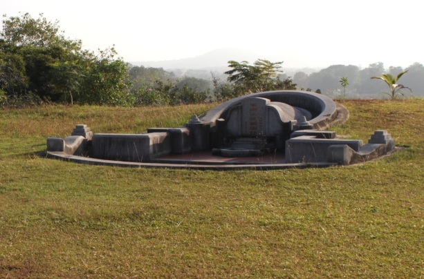 Grave at the top of Bukit Cina.